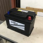 カングー:バッテリー交換