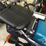 KLE250アネーロ:トップケース用ベースプレート交換(SHAD)